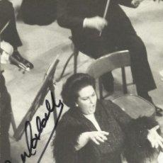 Autógrafos de Música : MONTSERRAT CABALLÉ. FOTOGRAFÍA CON AUTÓGRAFO, FIRMA. 1976. MEDEA. BARCELONA. 18X13 CM.. Lote 158733066