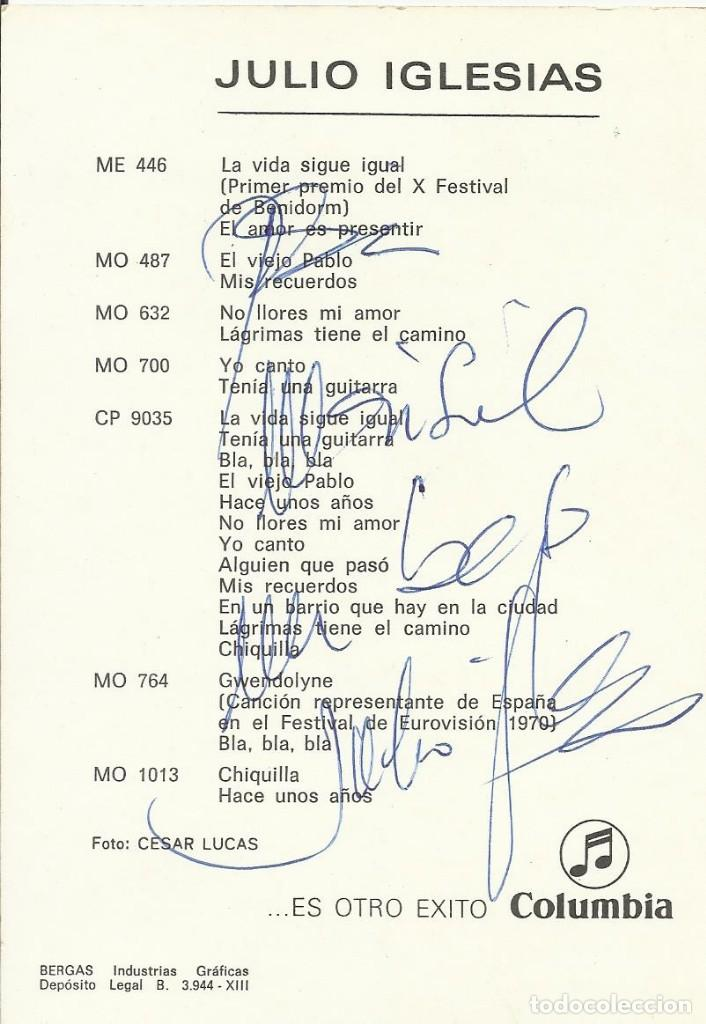 Autógrafos de Música : Julio Iglesias. Columbia. Autógrafo, firma y dedicatoria de Julio Iglesias. Buen estado. 15x10,5 cm. - Foto 2 - 165070338