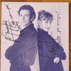Autógrafos de Música : AUTÓGRAFO FIRMA DE CARLES SABATER (SAU) Y ÁNGELS GONYALONS. LES CANÇONS DE TOTS DOS. 1993. MUSICAL.. Lote 167442008