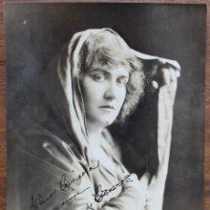 Autógrafos de Música : FOTO CON AUTOGRAFO DE ELEONORA DE CISNEROS-MEZZO SOPRANO (1878-1934) -24 CM X 19 CM.. Lote 174229910