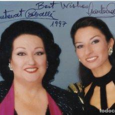 Autographes de Musique : MONTSERRAT CABALLÉ Y MONTSERRAT MARTÍ. 1997. FOTOGRAFÍA CON AUTÓGRAFOS, FIRMAS ORIGINALES.. Lote 177461724