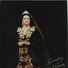 Autógrafos de Música : MONTSERRAT CABALLÉ. FOTOGRAFÍA CON AUTÓGRAFO, FIRMA ORIGINAL. 20X15 CM. BUEN ESTADO. TOSCA. 1998.. Lote 180081891