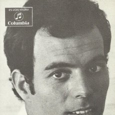 Autógrafos de Música : JULIO IGLESIAS. AUTÓGRAFO, FIRMA EN FOTOGRAFÍA, POSTAL PROMOCIONAL COLUMBIA. 1969. BUEN ESTADO.. Lote 210792636