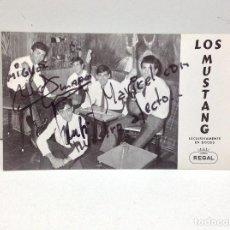 Autógrafos de Música : FOTOGRAFIA PUBLICITARIA LOS MUSTANG - CON DEDICATORIA Y AUTOGRAFOS. Lote 186122797