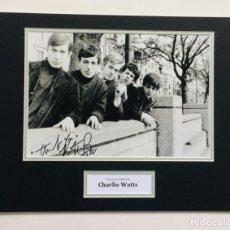 Autógrafos de Música : CHARLY WATTS - AUTOGRAFO EN FOTO ( 30 X 40 CM ) - CON CERTIFICADO DE AUTENTICIDAD. Lote 194513300