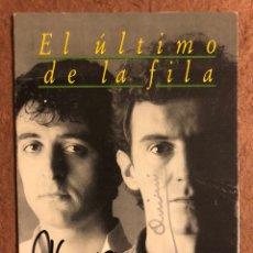 """Autographes de Musique : EL ÚLTIMO DE LA FILA """"COMO LA CABEZA AL SOMBRERO"""" (1988). TARJETA CON AUTÓGRAFOS ORIGINALES. Lote 201367493"""