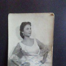Autógrafos de Música : FOTO DE ADELFA SOTO CON AUTÓGRAFO. 1957. Lote 219215163