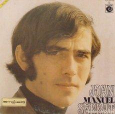 Autógrafos de Música : JOAN MANUEL SERRAT. AUTÓGRAFO SERIGRAFIADO. DISCO ZÁFIRO 1973. LA PALOMA, TIRITITERO, POEMA DE AMOR.. Lote 224464047