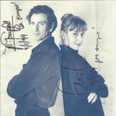 Autógrafos de Música : CARLES SABATER (SAU) ÁNGELS GONYALONS. AUTÓGRAFOS, FIRMAS ORIGINALES. TOTS DOS. FOCUS. 1993. DÍPTICO. Lote 228161800