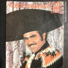 Autographes de Musique : TARJETA CBS CON AUTÓGRAFO DE VICENTE FERNÁNDEZ. Lote 233871980