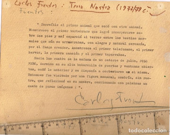 "1977 AUTÓGRAFO DE CARLOS FUENTES AUTOR DE ""TERRA NOSTRA"" SOBRE ESCRITO MECANOGRAFIADO EN CARTULINA (Música - Autógrafos de Cantantes )"