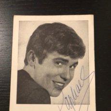 Autographes de Musique : POSTAL CON AUTÓGRAFO DE RAPHAEL. Lote 241491425