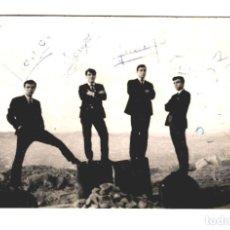 Autógrafos de Música : LOS BLUES - FOTOGRAFÍA ORIGINAL CON DEDICATORIA Y AUTÓGRAFOS - 135X88 - ÚNICA. Lote 244654770