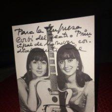Autografi di Musica : TINA Y TESA - FOTOGRAFÍA ORIGINAL Y AUTÓGRAFO -AÑO 1965 - AL TEATRO PRINCIPAL DE MONOVAR (ALICANTE. Lote 252591740