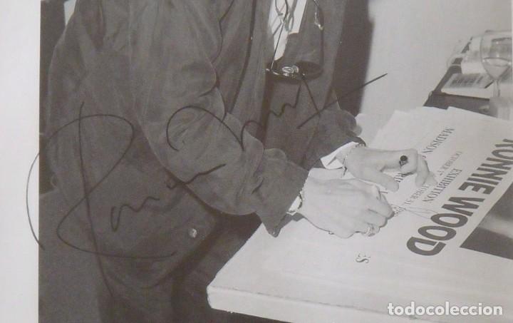 Autógrafos de Música : Ron Wood. Autógrafo, autograph, firma. Certicado Nº 31. Con púa. Enmarcado. Edición limitada de 2500 - Foto 3 - 268738064