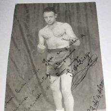 Coleccionismo deportivo: ANTIGUA FOTOGRAFIA DEL BOXEADOR J. DE DIEGO - AUTOGRAFIADA Y DEDICADA EN EL AÑO 1935 - FOTOGRAFIA M. Lote 3681942