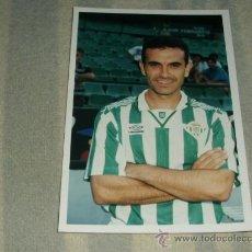 Coleccionismo deportivo: FOTO FIRMADA DEL JUGADOR DEL BETIS ( MENENDEZ CREO ). Lote 26851941