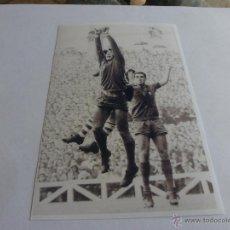 Coleccionismo deportivo: FOTO SADURNI 1962 (S.MAMÉS)ATH.BILBAO- F.C.BARCELONA(10 X 15CM)CON SU FIRMA ORIGINAL-FOTOS. Lote 43603801
