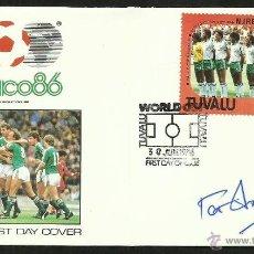 Coleccionismo deportivo: SOBRE PRIMER DIA COPA MUNDIAL DE FUTBOL MEXICO 86 AUTOGRAFO FIRMA ORIGINAL PAT JENNINGS IRLANDA N.. Lote 48847809