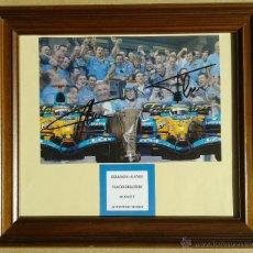 Coleccionismo deportivo: FERNANDO ALONSO Y FLAVIO BRIATORE - AUTOGRAFOS ORIGINALES FOTO GRANDE RENAULT - ENMARCADO 44 X 38. Lote 61307566