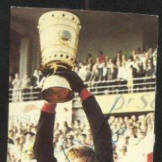 Coleccionismo deportivo: AUTOGRAFO PORTERO SEPP MAIER F. C. BAYER DE MUNICH Y CAMPEON CON SELECCION DE ALEMANIA 1974- FIFA. Lote 53592932