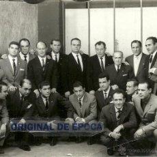 Coleccionismo deportivo: (F-1468)FOTOGRAFIA DEDICADA DE RAMALLETS,C.F.BARCELONA EN SU HOMENAJE,MARZO 1962. Lote 54616335