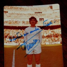 Coleccionismo deportivo: FOTOGRAFIA DEL JUGADOR DE FUTBOL JUAN CARLOS TOURIÑO CANCELA, CON AUTOGRAFO MANUSCRITO, REAL MADRID,. Lote 57043802