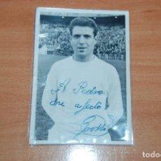 Coleccionismo deportivo: ANTIGUA FOTO FIRMADA Y DEDICADA POR EL JUGADOR GROSSO REAL MADRID. Lote 61426543