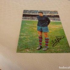 Coleccionismo deportivo: FOTO(20 X 15)SADURNI(F.C.BARCELONA) TEMP.1968-69 CON SU FIRMA ORIGINAL.BARÇA.. Lote 77513601