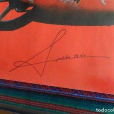 Coleccionismo deportivo: AUTÓGRAFO ÁNGEL NIETO CAMPEÓN DEL MUNDO 12+1 EN CARTEL DE SU MUSEO CON FOTO DE SOLO MOTO. BE.. Lote 95870260