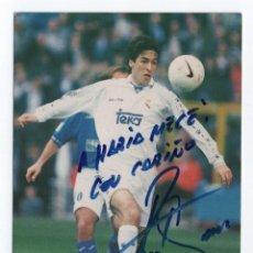 Coleccionismo deportivo: (ALB-TC-18) POSTAL NUEVA DEDICADA Y AUTOGRAFO DE RAUL REAL MADRID 1997. Lote 97656099