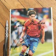 Coleccionismo deportivo: FOTO FOTOGRAFIA ORIGINAL FUTBOL FIRMADA AUTOGRAFO SERGIO RAMOS SELECCION ESPAÑOLA ESPAÑA. Lote 111624527