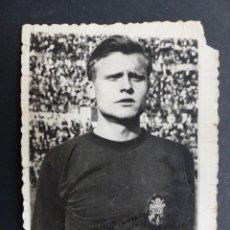 Coleccionismo deportivo: VALENCIA C.F. - VICENTE GUILLOT - AÑOS 1960 - AUTOGRAFO ORIGINAL. Lote 127772415