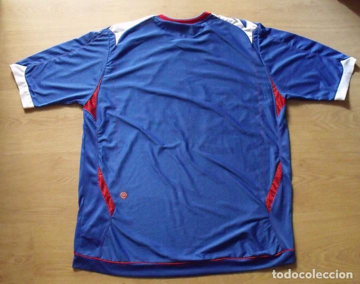 Coleccionismo deportivo: CAMISETA AUTÓGRAFOS. 15 AUTOGRAPHS 2006-2007. FUTBOL GLASGOW RANGERS. TALLA XL. UMBRO. CARLING. - Foto 4 - 136739970