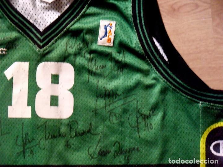 Coleccionismo deportivo: CAMISETA BALONCESTO BADALONA PENYA JOVENTUT 13 AUTÓGRAFOS. CHAMPION. TALLA 2XL. 2001-2002 - Foto 4 - 136755206