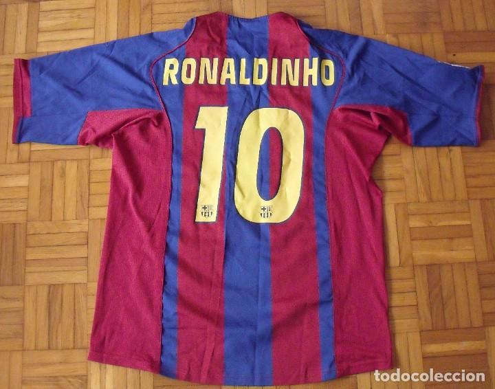Coleccionismo deportivo: CAMISETA F.C.BARCELONA. NIKE 90. TALLA L. FIRMADA, DEDICADA Y AUTÓGRAFO RONALDINHO. PERFECTO ESTADO. - Foto 8 - 246504805