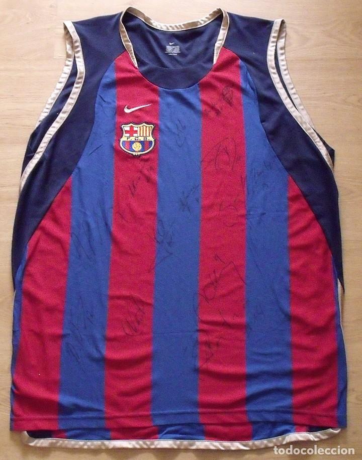 Coleccionismo deportivo: CAMISETA F.C.BARCELONA. BALONCESTO 2001-2002 14 AUTÓGRAFOS. NIKE. XL. JASIKEVICIUS, NAVARRO... - Foto 3 - 136754146