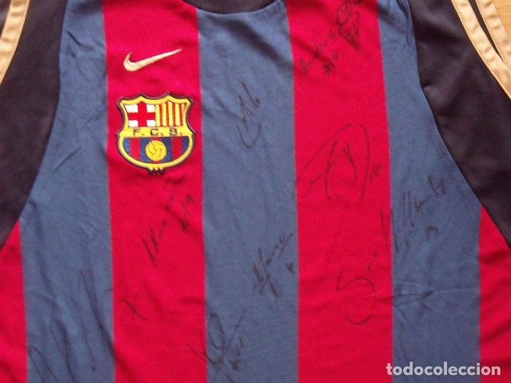 Coleccionismo deportivo: CAMISETA F.C.BARCELONA. BALONCESTO 2001-2002 14 AUTÓGRAFOS. NIKE. XL. JASIKEVICIUS, NAVARRO... - Foto 9 - 136754146
