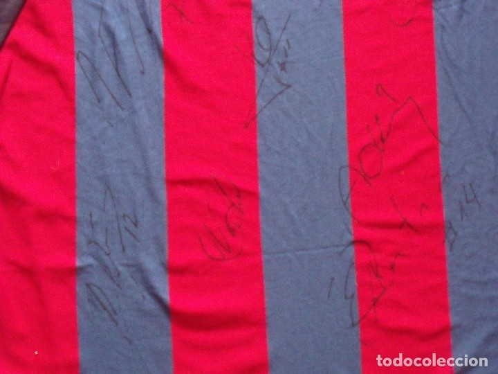 Coleccionismo deportivo: CAMISETA F.C.BARCELONA. BALONCESTO 2001-2002 14 AUTÓGRAFOS. NIKE. XL. JASIKEVICIUS, NAVARRO... - Foto 12 - 136754146
