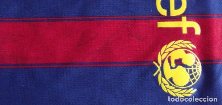Coleccionismo deportivo: CAMISETA LEO MESSI F.C. BARCELONA UNICEF NIKE 2009-2010 XL NIÑO AUTÓGRAFO MARTÍN MONTOYA, CHIGRINSKY - Foto 5 - 138531342