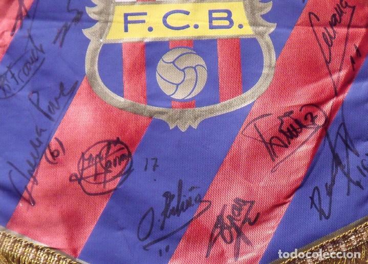 Coleccionismo deportivo: F.C.BARCELONA. BANDERÍN 19 AUTÓGRAFOS BALONMANO 1990-91. FIRMAS: VUJOVIC, URDANGARIN, MASIP, RIVERA. - Foto 7 - 145164238