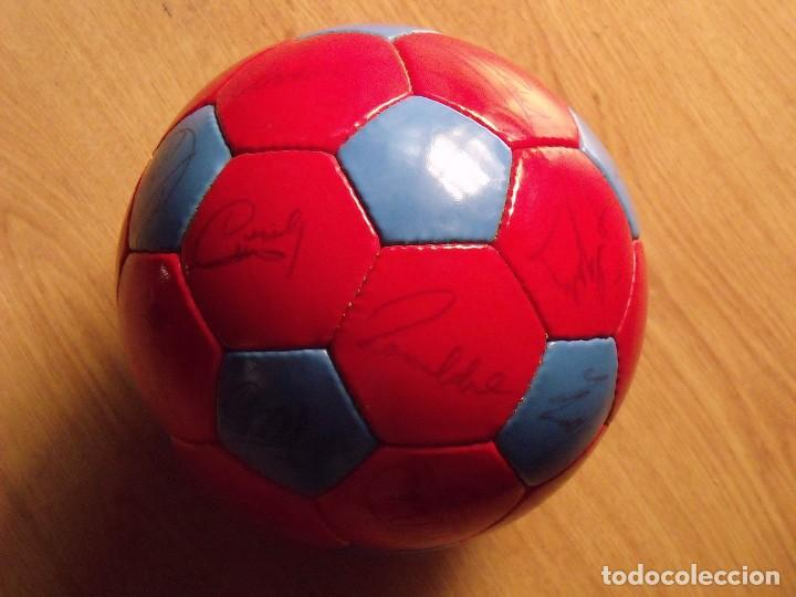 BALÓN, PELOTA F. C. BARCELONA 1996-97. 22 AUTÓGRAFOS, FIRMAS: RONALDO, FIGO, STOICHKOV, GUARDIOLA... (Coleccionismo Deportivo - Documentos de Deportes - Autógrafos)