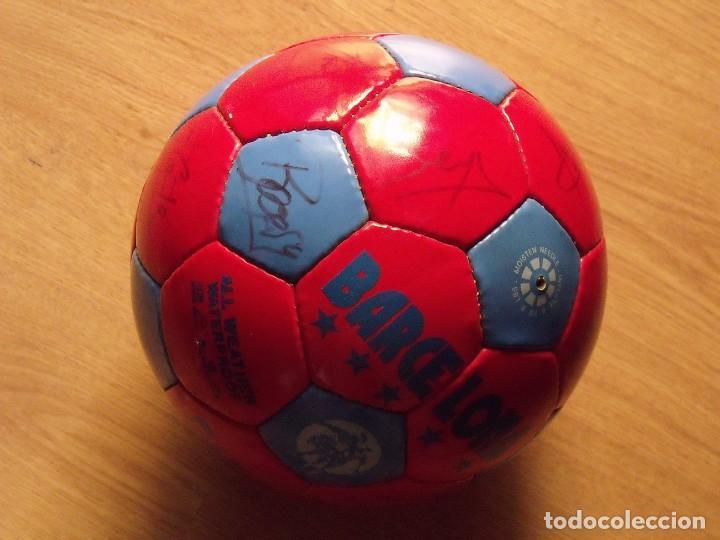 Coleccionismo deportivo: BALÓN, PELOTA F. C. BARCELONA 1996-97. 22 AUTÓGRAFOS, FIRMAS: RONALDO, FIGO, STOICHkOV, GUARDIOLA... - Foto 6 - 145165630
