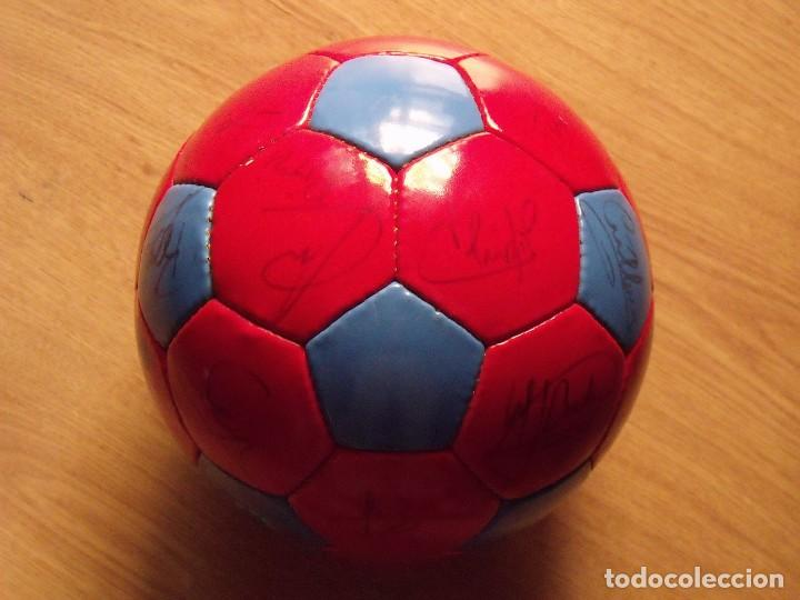 Coleccionismo deportivo: BALÓN, PELOTA F. C. BARCELONA 1996-97. 22 AUTÓGRAFOS, FIRMAS: RONALDO, FIGO, STOICHkOV, GUARDIOLA... - Foto 7 - 145165630