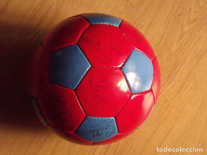 Coleccionismo deportivo: BALÓN, PELOTA F. C. BARCELONA 1996-97. 22 AUTÓGRAFOS, FIRMAS: RONALDO, FIGO, STOICHkOV, GUARDIOLA... - Foto 8 - 145165630
