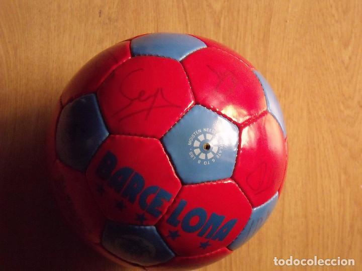 Coleccionismo deportivo: BALÓN, PELOTA F. C. BARCELONA 1996-97. 22 AUTÓGRAFOS, FIRMAS: RONALDO, FIGO, STOICHkOV, GUARDIOLA... - Foto 11 - 145165630