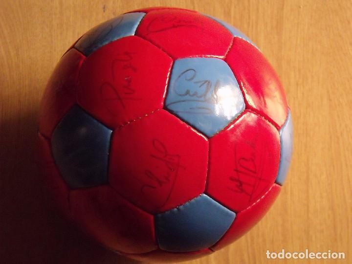 Coleccionismo deportivo: BALÓN, PELOTA F. C. BARCELONA 1996-97. 22 AUTÓGRAFOS, FIRMAS: RONALDO, FIGO, STOICHkOV, GUARDIOLA... - Foto 12 - 145165630