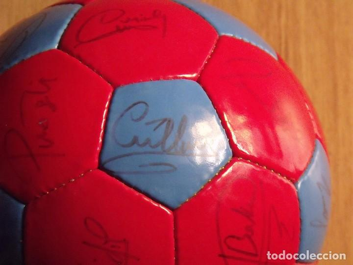 Coleccionismo deportivo: BALÓN, PELOTA F. C. BARCELONA 1996-97. 22 AUTÓGRAFOS, FIRMAS: RONALDO, FIGO, STOICHkOV, GUARDIOLA... - Foto 13 - 145165630