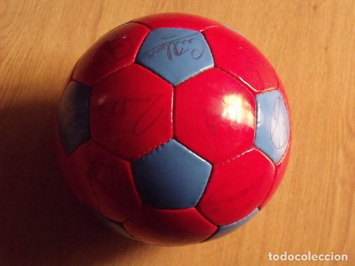 Coleccionismo deportivo: BALÓN, PELOTA F. C. BARCELONA 1996-97. 22 AUTÓGRAFOS, FIRMAS: RONALDO, FIGO, STOICHkOV, GUARDIOLA... - Foto 16 - 145165630