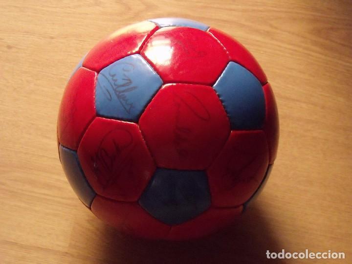Coleccionismo deportivo: BALÓN, PELOTA F. C. BARCELONA 1996-97. 22 AUTÓGRAFOS, FIRMAS: RONALDO, FIGO, STOICHkOV, GUARDIOLA... - Foto 17 - 145165630